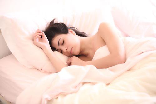 horas de sueño necesarias par un adulto
