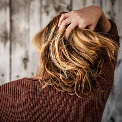 Cuanto crece el pelo en un día, una semana, un mes y un año
